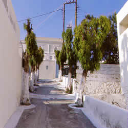 a backstreet in Fira